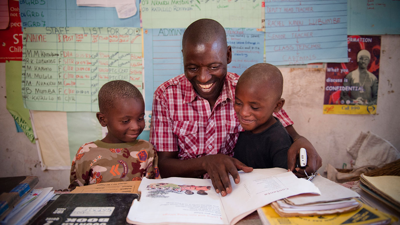 We identify, fund, and strengthen communities in Africa that support the health, resilience, and education of children.